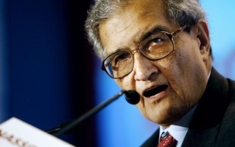 Amartya Sen receives a doctorate honoris causa in the presence of a LIVES project leader