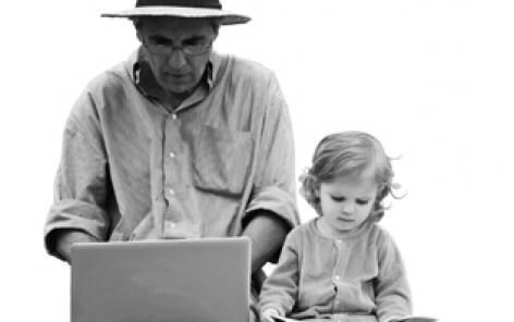 """Couverture du livre """"Adultes aînés, les oubliés de la formation"""" aux éditions Antipodes"""