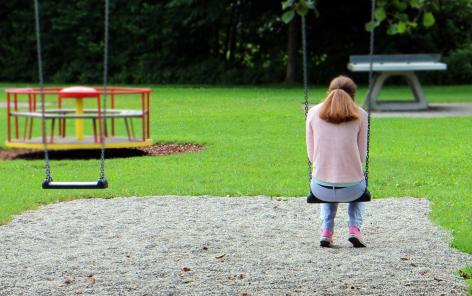 Vulnerability of lone parents: social policy support makes all the difference